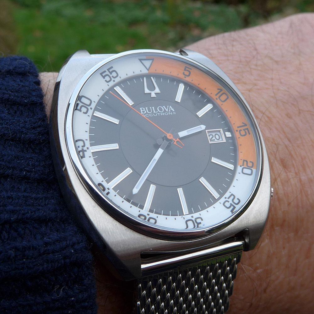 Bulova-Accutron-II-Snorkel-Deep-Sea-96B2